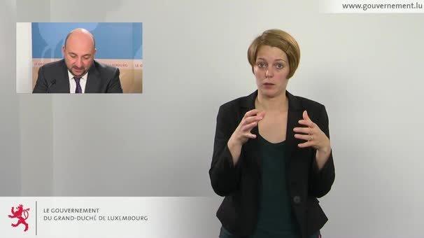 Interprétation en langue des signes du briefing du Conseil de gouvernement